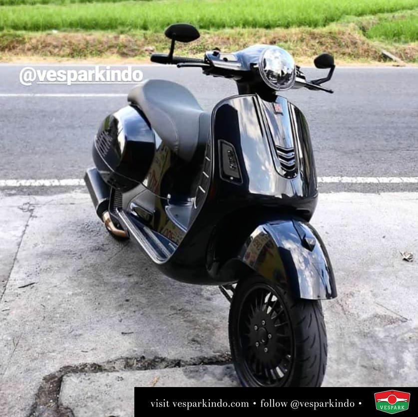 Black Vespa GTS custom modified @stonematic