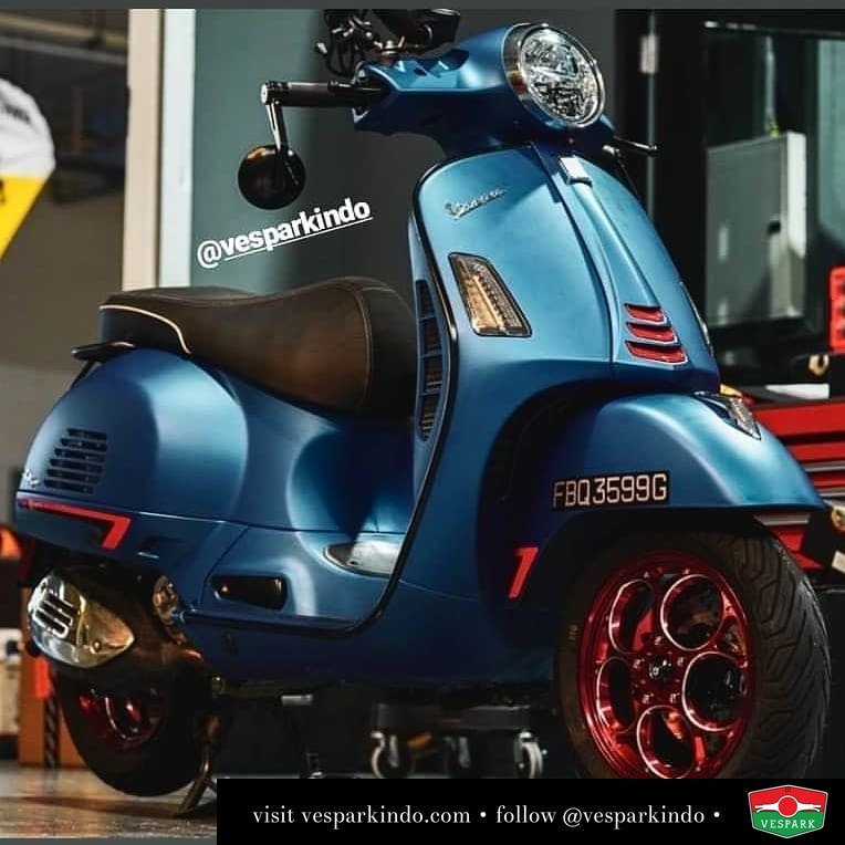 Custom modified Vespa GTS @wastegaragescooters