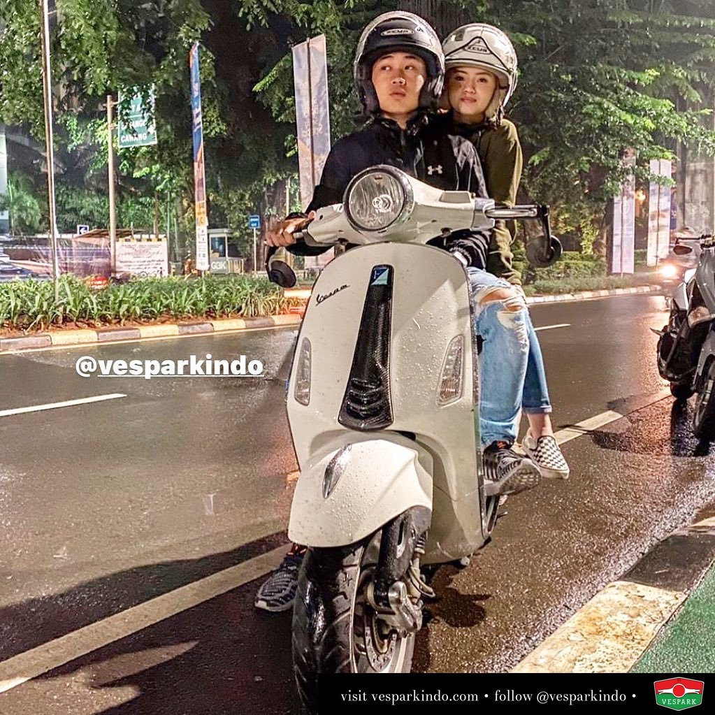 Riding together forever Vespa Primavera @jessicasugiharta