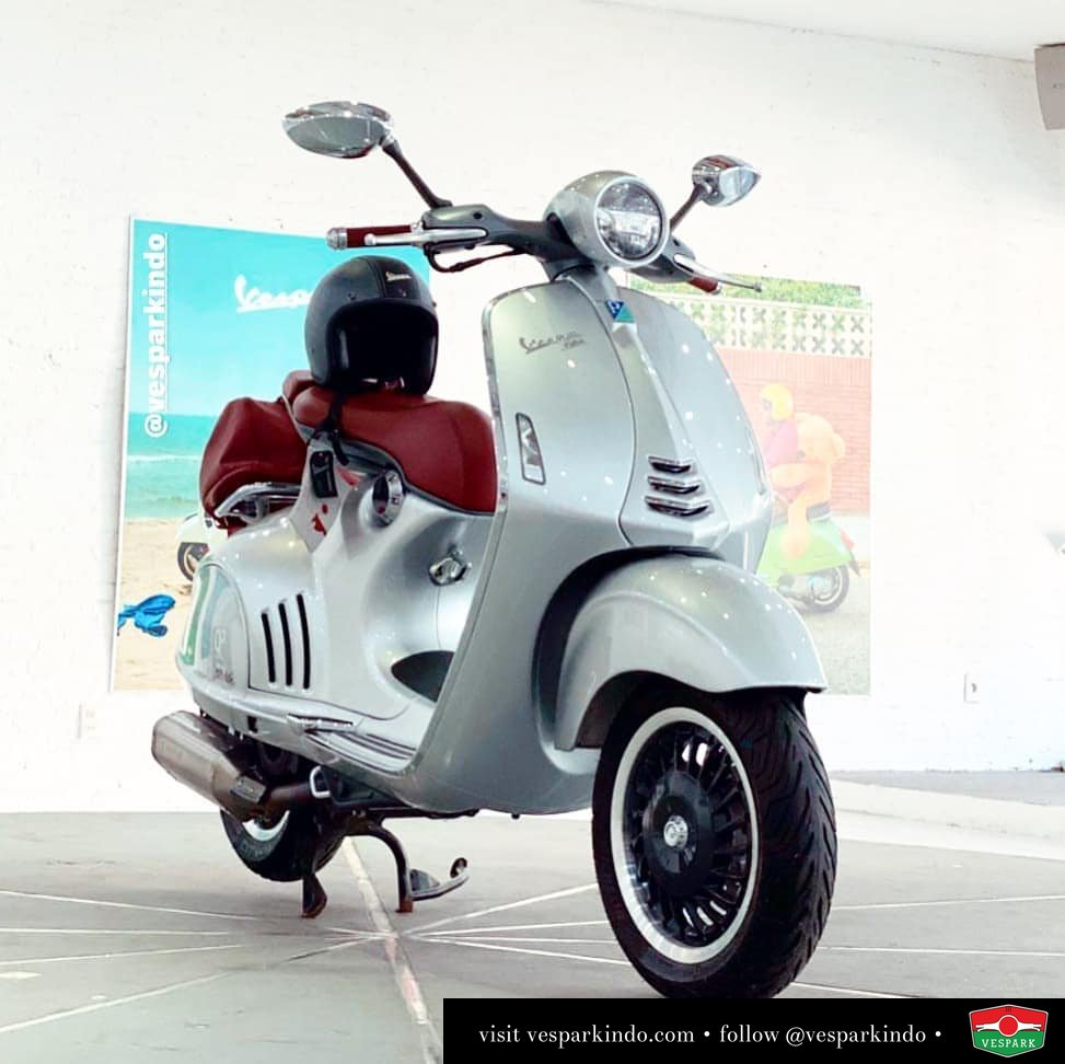Vespa 946 Bellissima collector item limited edition