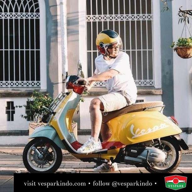 Colorful world of Vespa Primavera sean Wotherspoon   Live More Ride Vespa Saatnya anda miliki scooter matic legendaris Vespa!  Geser untuk lihat genuine aksesoris Vespa @vesparkindo dan lihat sorotan utk paket promo aksesoris   Tersedia penawaran leasing/kredit menarik untuk semua tipe Vespa. Cek info di web, link di bio  Hubungi dealer resmi Vespark Piaggio Vespa Medan Sumut @vesparkindo untuk pesanan Medan, Aceh, Riau dan Sumut Dealer tetap buka selama liburan silakan WA 0815-21-595959 untuk appointment, jam buka dan DM utk brosur terbaru  Kunjungi: VESPARK: Piaggio Vespa 3S ShowPark Jln Prof HM Yamin No.16A (simpang Jln Jawa)  Medan Telp. 061-456-5454 Cek IG @vesparkindo   feature @azmunthe