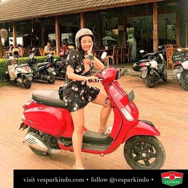 Travel with Vespa  Live More Ride Vespa Saatnya anda miliki scooter matic legendaris Vespa!  Geser untuk lihat Vespa S terbaru dan genuine aksesoris Vespa @vesparkindo dan lihat sorotan utk paket promo aksesoris   Tersedia penawaran leasing/kredit menarik untuk semua tipe Vespa. Cek info di web, link di bio  Hubungi dealer resmi Vespark Piaggio Vespa Medan Sumut @vesparkindo untuk pesanan Medan, Aceh, Riau dan Sumut Dealer tetap buka selama liburan silakan WA 0815-21-595959 untuk appointment, jam buka dan DM utk brosur terbaru  Kunjungi: VESPARK: Piaggio Vespa 3S ShowPark Jln Prof HM Yamin No.16A (simpang Jln Jawa)  Medan Telp. 061-456-5454 Cek IG @vesparkindo