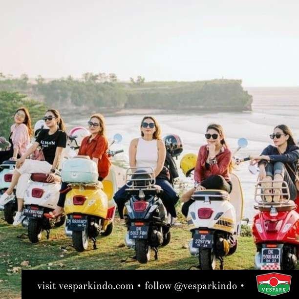 Angel Vespa girl  Live More Ride Vespa Saatnya anda miliki scooter matic legendaris Vespa!  Geser untuk lihat genuine aksesoris Vespa @vesparkindo dan lihat sorotan utk paket promo aksesoris   Tersedia penawaran leasing/kredit menarik untuk semua tipe Vespa. Cek info di web, link di bio  Hubungi dealer resmi Vespark Piaggio Vespa Medan Sumut @vesparkindo untuk pesanan Medan, Aceh, Riau dan Sumut Dealer tetap buka selama liburan silakan WA 0815-21-595959 untuk appointment, jam buka dan DM utk brosur terbaru  Kunjungi: VESPARK: Piaggio Vespa 3S ShowPark Jln Prof HM Yamin No.16A (simpang Jln Jawa)  Medan Telp. 061-456-5454 Cek IG @vesparkindo   feature @angel_vespabali