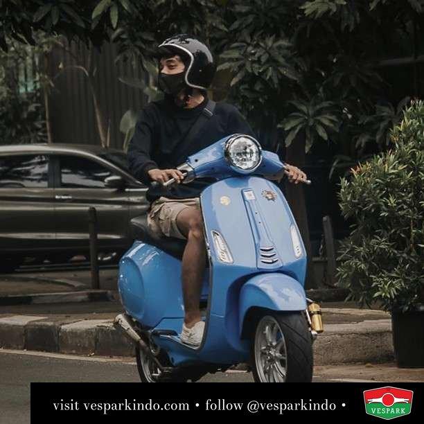 Blue custom Vespa Primavera   Live More Ride Vespa Saatnya anda miliki scooter matic legendaris Vespa!  Geser untuk lihat genuine aksesoris Vespa @vesparkindo dan lihat sorotan utk paket promo aksesoris   Tersedia penawaran leasing/kredit menarik untuk semua tipe Vespa. Cek info di web, link di bio  Hubungi dealer resmi Vespark Piaggio Vespa Medan Sumut @vesparkindo untuk pesanan Medan, Aceh, Riau dan Sumut Dealer tetap buka selama liburan silakan WA 0815-21-595959 untuk appointment, jam buka dan DM utk brosur terbaru  Kunjungi: VESPARK: Piaggio Vespa 3S ShowPark Jln Prof HM Yamin No.16A (simpang Jln Jawa)  Medan Telp. 061-456-5454 Cek IG @vesparkindo   feature @bimorzkyyy