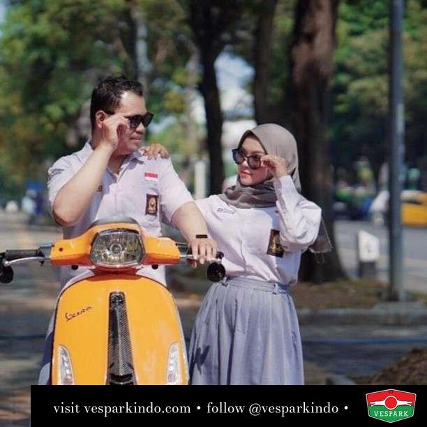 Ternyata sempurna itu ada  Live More Ride Vespa Saatnya anda miliki scooter matic legendaris Vespa!  Geser untuk lihat genuine aksesoris Vespa @vesparkindo dan lihat sorotan utk paket promo aksesoris   Tersedia penawaran leasing/kredit menarik untuk semua tipe Vespa. Cek info di web, link di bio  Hubungi dealer resmi Vespark Piaggio Vespa Medan Sumut @vesparkindo untuk pesanan Medan, Aceh, Riau dan Sumut Dealer tetap buka selama liburan silakan WA 0815-21-595959 untuk appointment, jam buka dan DM utk brosur terbaru  Kunjungi: VESPARK: Piaggio Vespa 3S ShowPark Jln Prof HM Yamin No.16A (simpang Jln Jawa)  Medan Telp. 061-456-5454 Cek IG @vesparkindo   feature @octaory