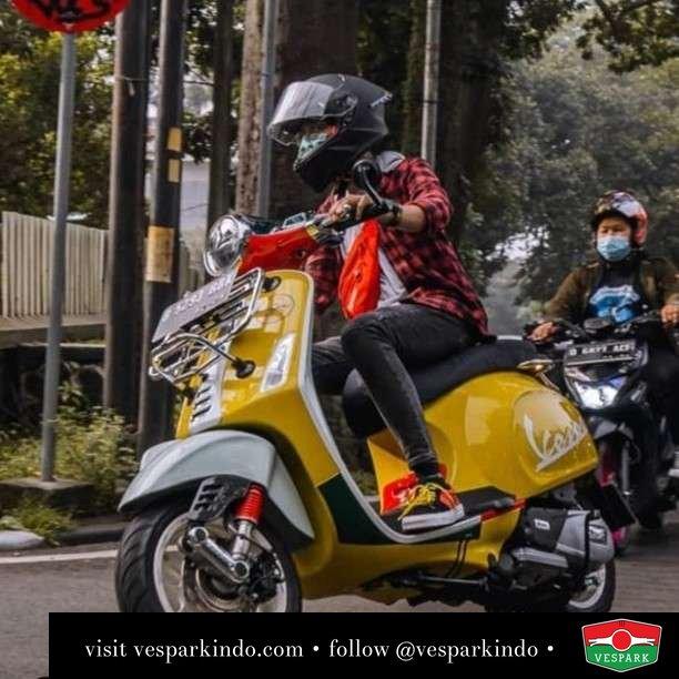 Wotherspoon   Live More Ride Vespa Saatnya anda miliki scooter matic legendaris Vespa!  Geser untuk lihat genuine aksesoris Vespa @vesparkindo dan lihat sorotan utk paket promo aksesoris   Tersedia penawaran leasing/kredit menarik untuk semua tipe Vespa. Cek info di web, link di bio  Hubungi dealer resmi Vespark Piaggio Vespa Medan Sumut @vesparkindo untuk pesanan Medan, Aceh, Riau dan Sumut Dealer tetap buka selama liburan silakan WA 0815-21-595959 untuk appointment, jam buka dan DM utk brosur terbaru  Kunjungi: VESPARK: Piaggio Vespa 3S ShowPark Jln Prof HM Yamin No.16A (simpang Jln Jawa)  Medan Telp. 061-456-5454 Cek IG @vesparkindo   feature @andhika.syc