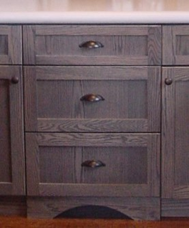 Craftsman drawers with plinth arch