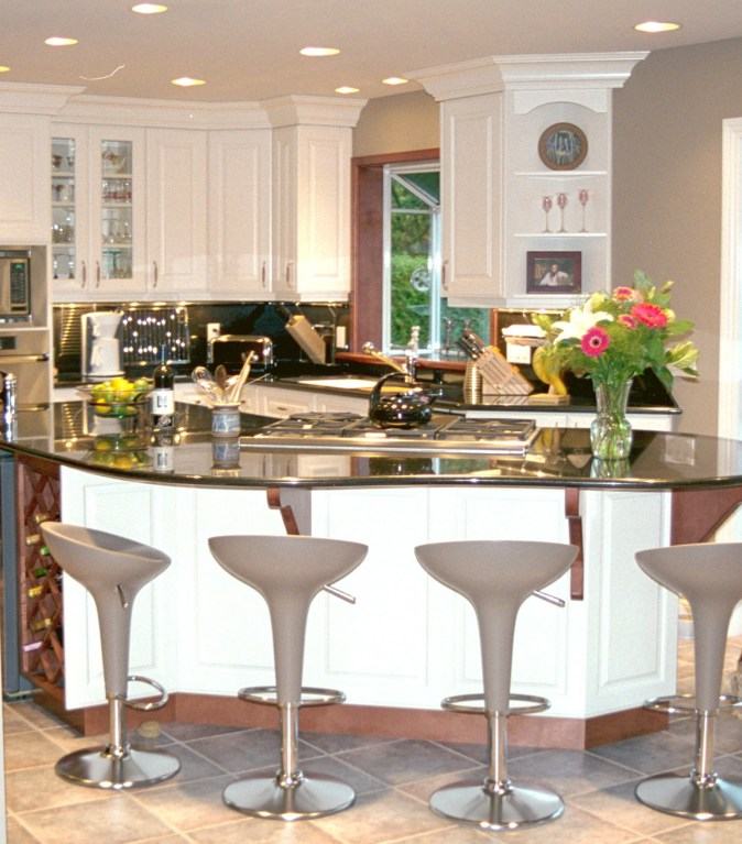 White and wood kitchen