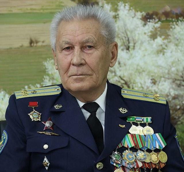 Родное небо Александра Харламова