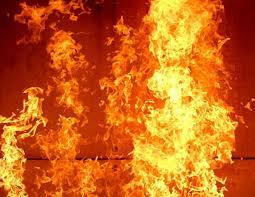 В Андижане сгорел лакокрасочный завод