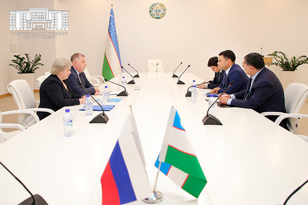 Питерская делегация посетила ташкентский хокимият
