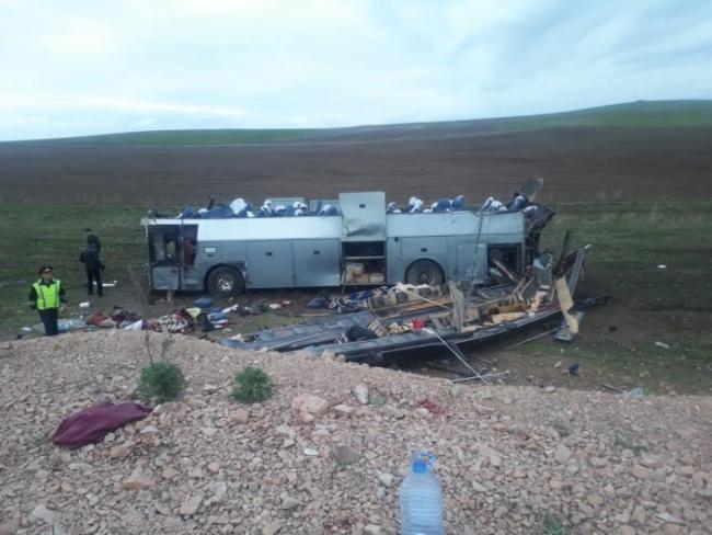 11 пассажиров автобуса Алматы-Ташкент погибли на чимкентской трассе