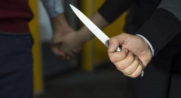 В Паркенте обманутый муж пытался зарезать жену и ее любовника