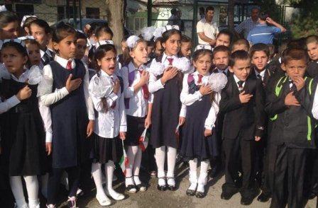 В Узбекистане повременят с единой школьной формой