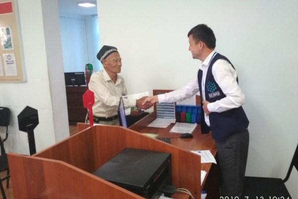 80-летний сурхандарьинец поступает в СамГУ и Термезский мединститут