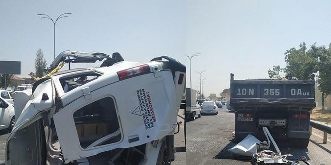 В Ташкенте опрокинулась маршрутка, пострадали 12 пассажиров