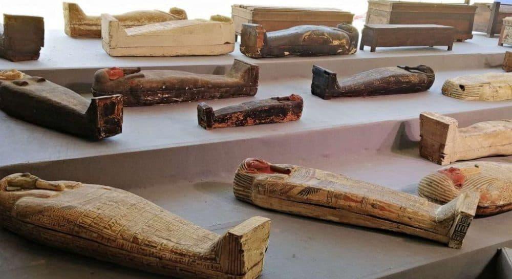 Больше ста древних мумий нашли в Египте