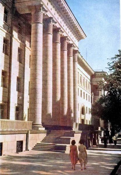 Под что отдать здание КГБ в Ташкенте