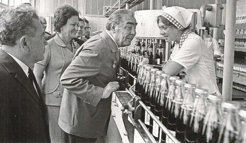 Зачем в СССР были нужны «толкачи»