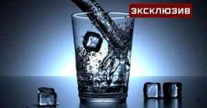 Диетологи: нельзя пить воду перед сном