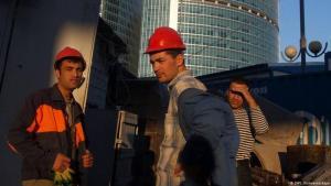 Сотни строителей-узбекистанцев пожаловались на задержку зарплаты в Москве