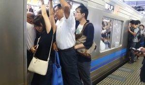 Только бежать: психиатры о стычках с неуравновешенными людьми в транспорте