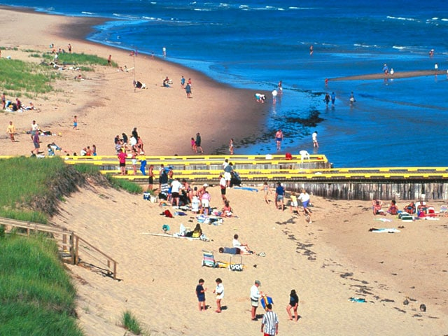 cbc-beach-singing-sands-basin-head-pei