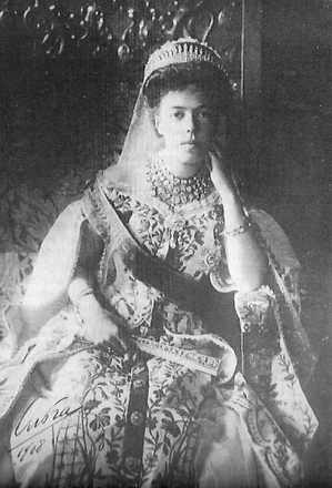 olga_traditional_dress_of_the_russian_court