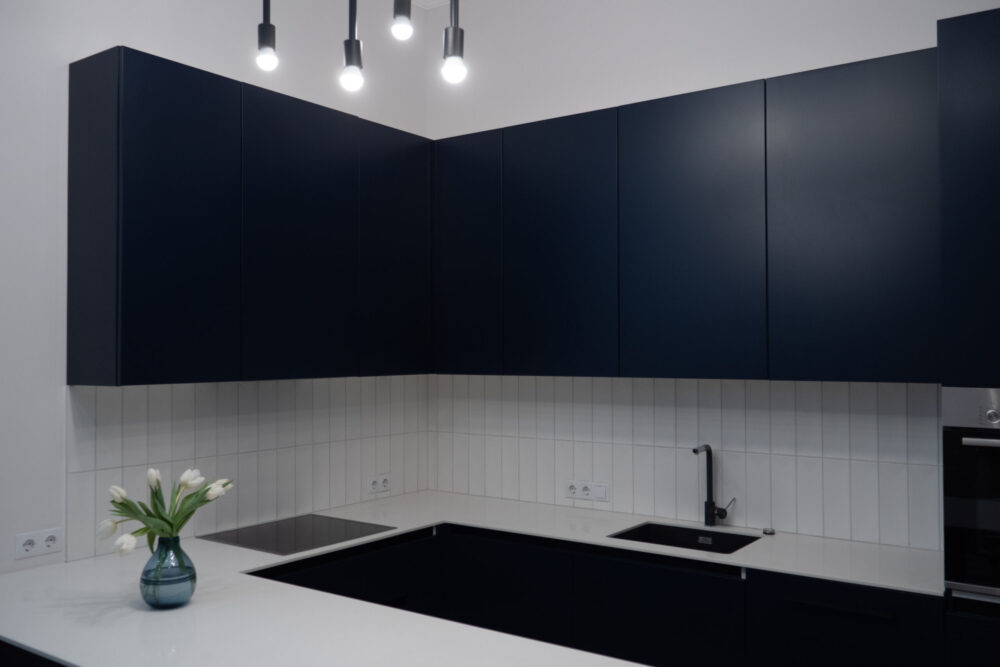 dark blue and white kitchen