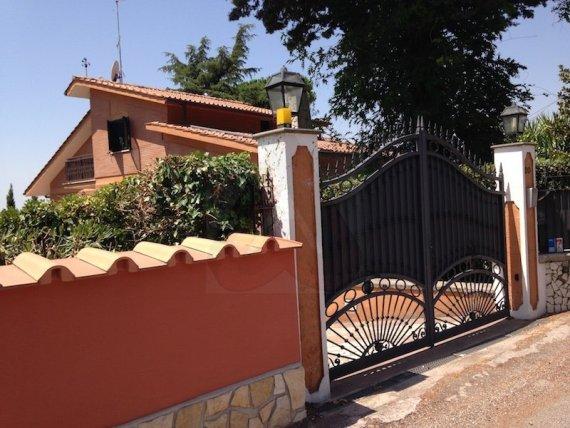 VILLA IN VENDITA GENZANO DI ROMA