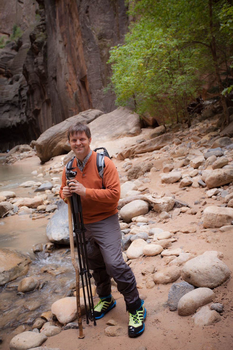 Hiking the Narrows, Zion National Park, Utah #vezzaniphotography #zionnationalpark