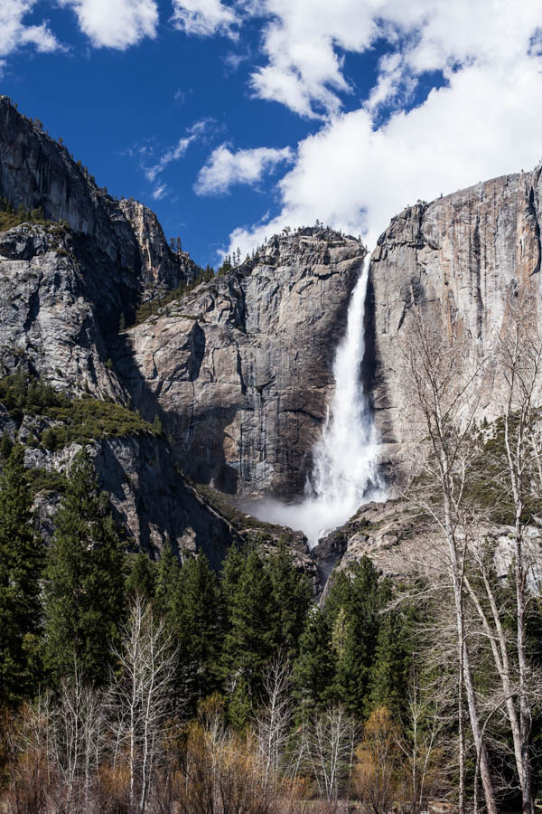 7 Tips to Help You Hike Upper Yosemite Falls - photograph silky waterfalls - Best Photo Spots Yosemite National Park #vezzaniphotography