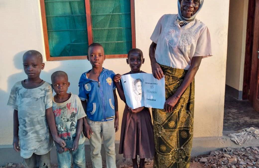 Apporter le sourire à la Tanzanie avec la Campagne 13 Maisons