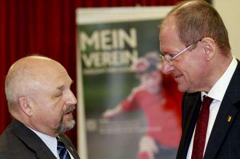 Politik im Pausengespräch - Foto: Peter Kupries