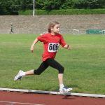 Mit großen Schritten zum 800 m-Sieg: Christiane Berger