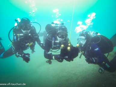 Anstoßen unter Wasser