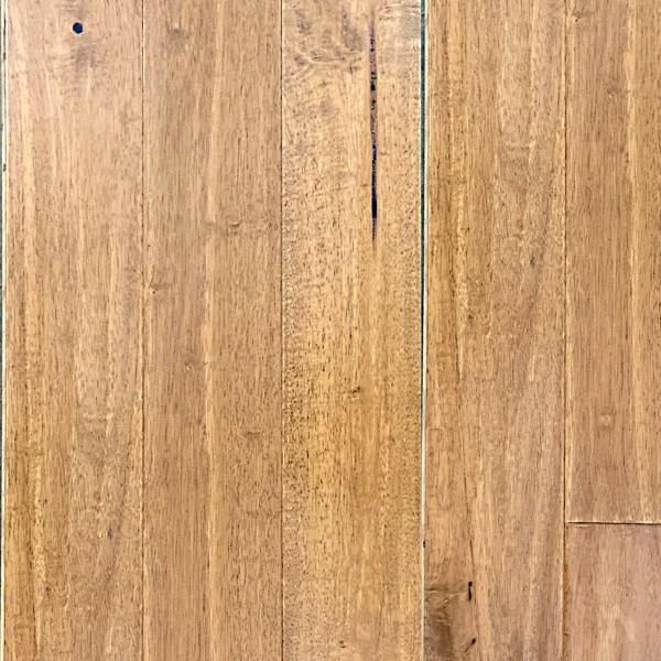 Phantim Hardwood Floor in Seabiscuit