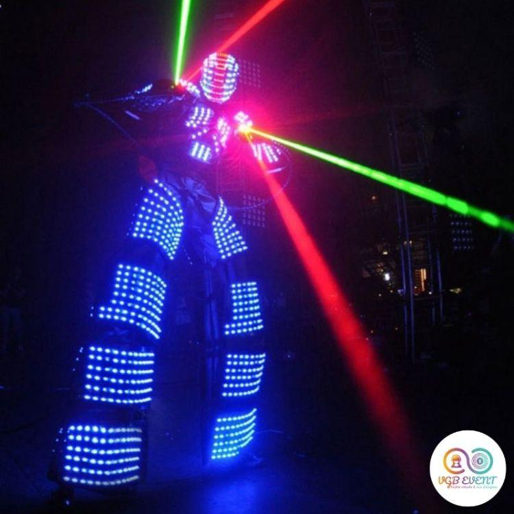 robot geant led lightman dancing VGB EVENT
