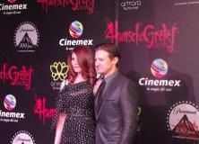 Jeremy Renner y Gemma Arterton sacuden Antara en la alfombra roja de 'Hansel y Gretel'