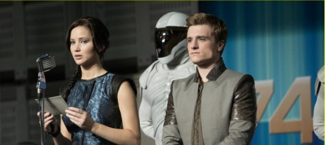 Jennifer-Lawrence-and-Josh-Hutcherson-in-Hunger-Games-Catching-Fire
