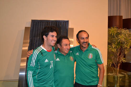 Checo Pérez visitó al Tricolor Sub17