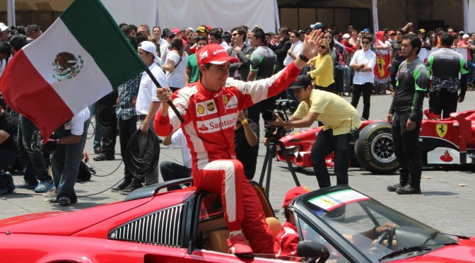 Scuderia Ferrari hace vibrar a la Ciudad de México