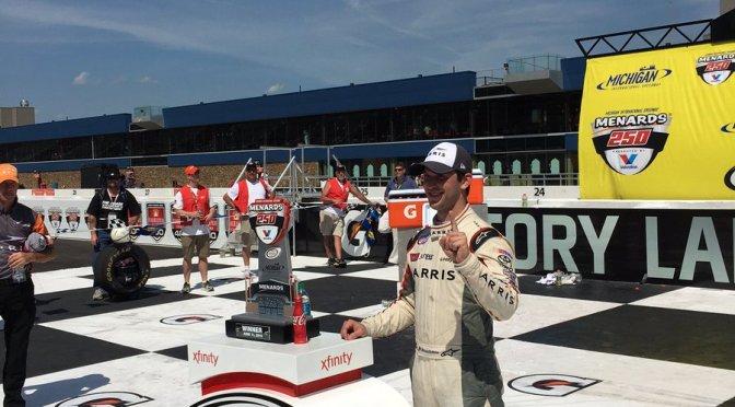 Daniel Suárez primer piloto mexicano en ganar una carrera en las series nacionales de NASCAR