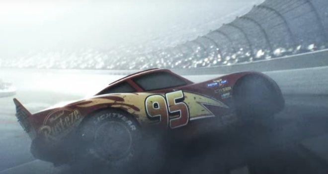 """<span class=""""entry-title-primary"""">Llega a toda velocidad el primer tráiler de Cars 3</span> <span class=""""entry-subtitle"""">Parece que el Rayo McQueen no la tendrá fácil en esta entrega</span>"""
