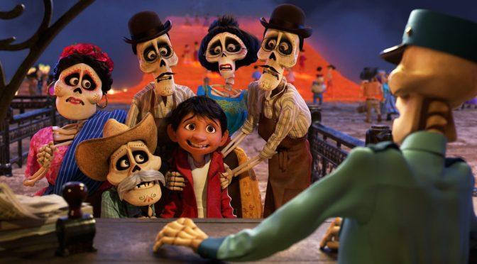 """<span class=""""entry-title-primary"""">¡Tenemos un nuevo tráiler de Coco!</span> <span class=""""entry-subtitle"""">Aventúrense a la Tierra de los Muertos</span>"""