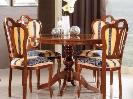 kruglyj stol v interere gostinoj06