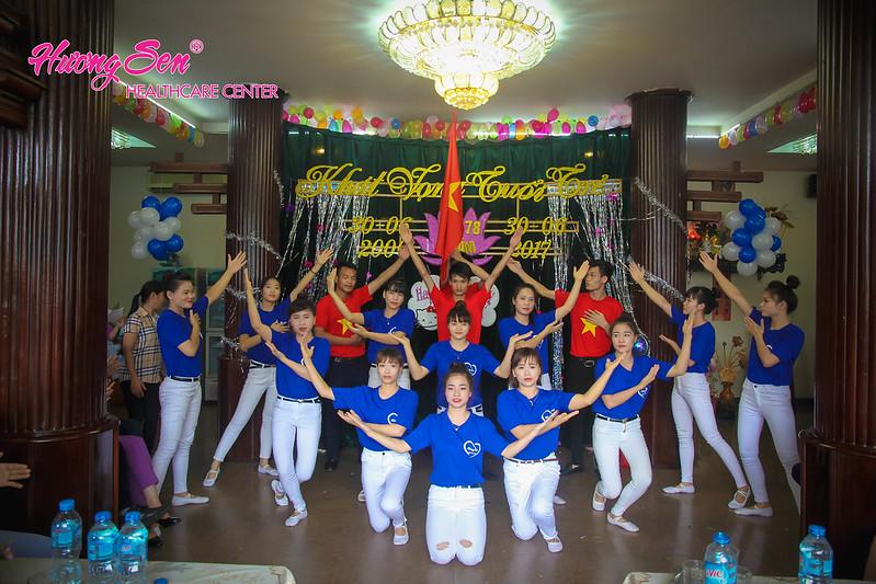 Ấm áp lễ kỷ niệm 11 năm thành lập Hương Sen 78 Yên Phụ