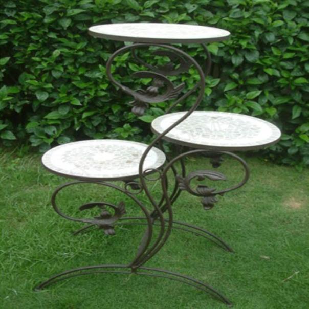 kệ hoa bằng sắt mỹ nghệ và mosaic dùng cho sân vườn