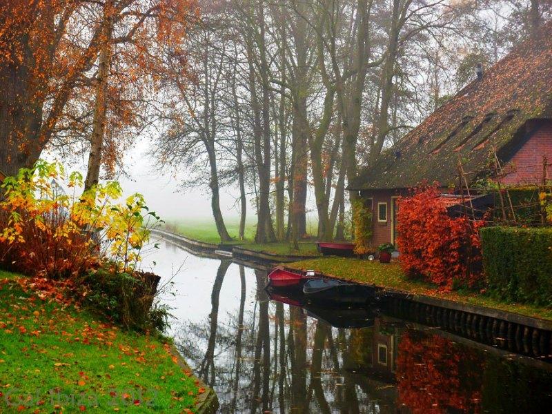 Giethoorn, uma cidade sem ruas na Holanda