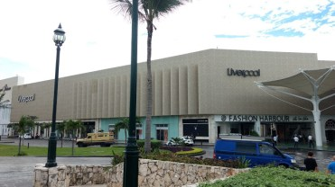 shopping cancun
